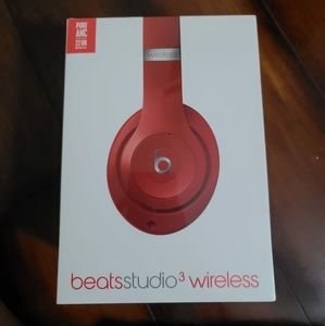 Brand new beats Studio 3 wireless. Beats by dr. Dr